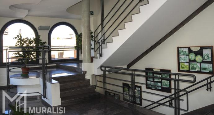 Ringhiera moderna - parapetti in ferro e finestre ad arco_Muralisi